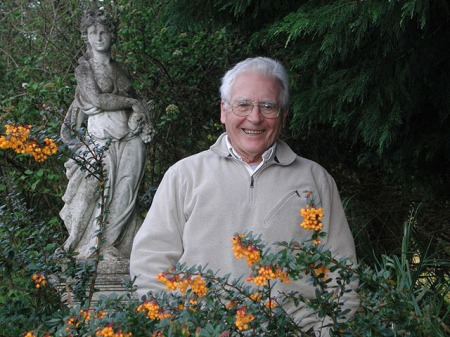 A photograph of James Lovelock.