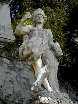 They already have a statue of me in the gardens of the Villa Monastero, Varenna