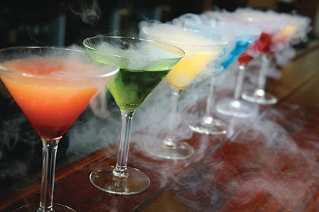 Cocktails cooled with liquid nitrogen