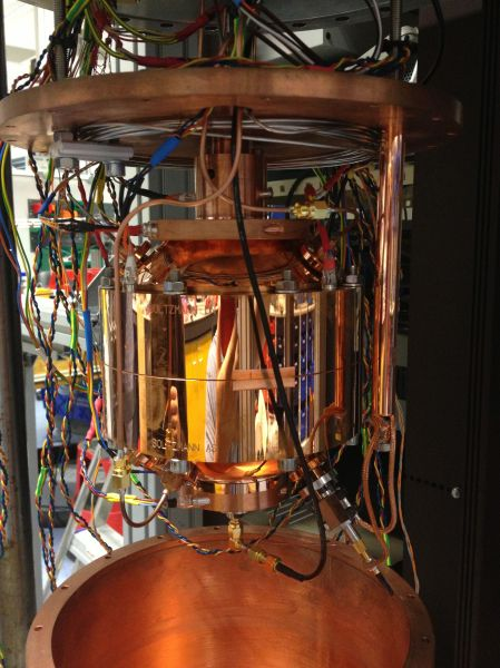 The spherical resonator assembled with all its probes.